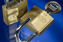 Vorhangschlösser, Schlüsselkästen, Schlüsselanhänger